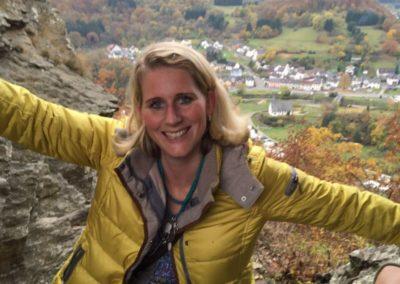Eva-Vanessa Hötzschold beim Wandern